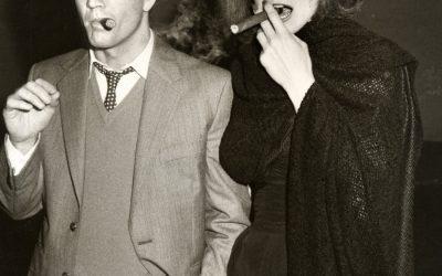 Mel Gibson & Sigorney Weaver rauchen Zigarre in den 80s