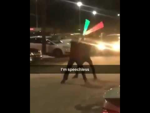 Lichtschwert Kampf auf dem Parkplatz