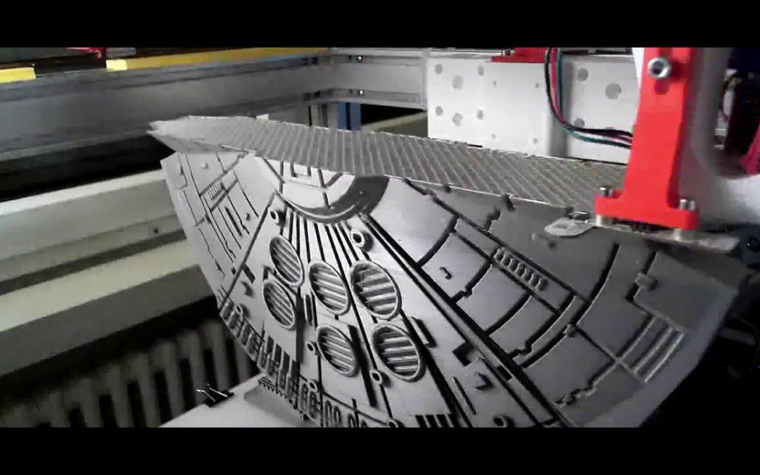 Einen gigantischen Millenium Falken mittels 3D Drucker ausdrucken