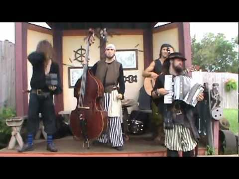 "Geniale Live-Version von ""They're Taking the Hobbits to Isengard"""